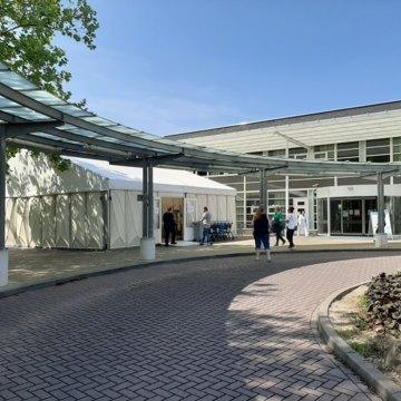 Nieuwe tijdelijke ingang ziekenhuis